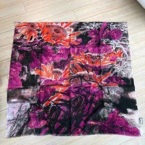purple  pattern scarf